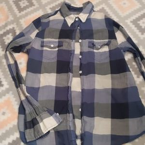 Super Cute Abercrombie Women's Button Up Top